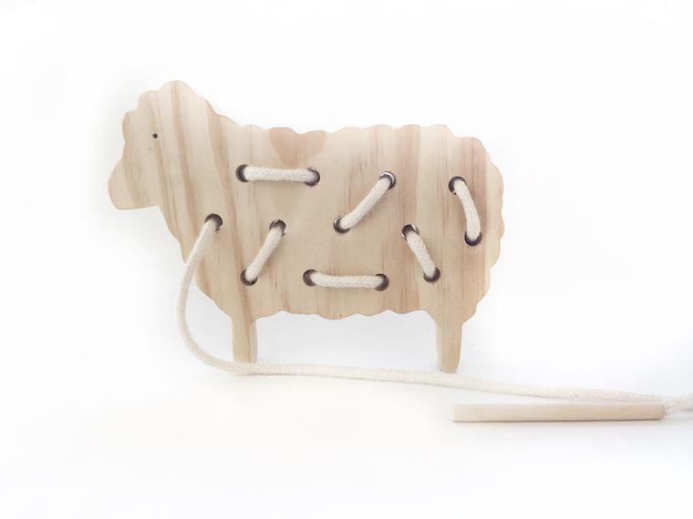 Sheep Lacing Board